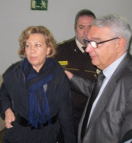 Munar, junto a su abogado