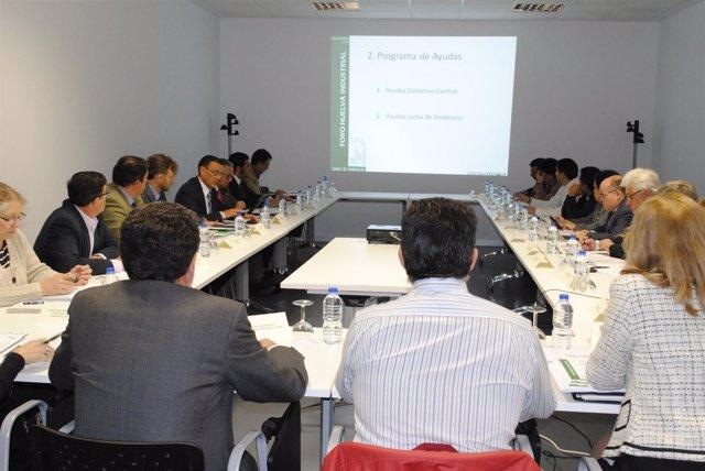 Imagen de la reunión del Foro Huelva Industrial.