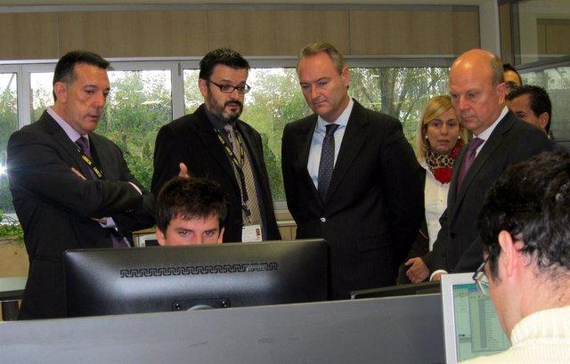 Fabra y Buch con los representantes de ICEMI durante su visita a la empresa.