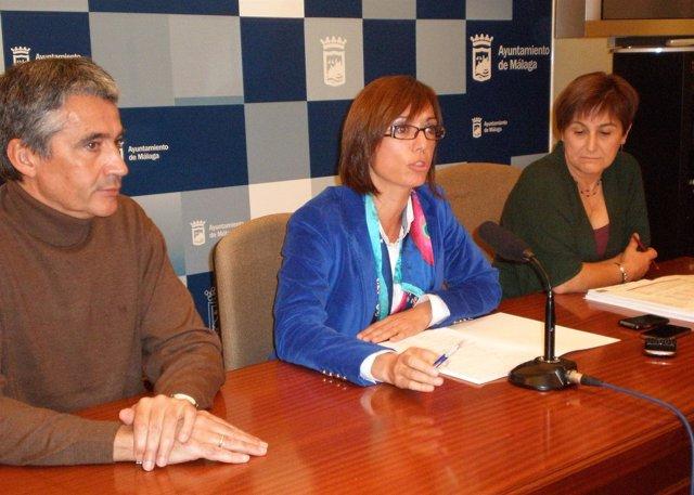 Los concejales del PSOE Manuel Hurtado, María Gámez y Francisca Montiel