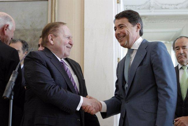 Adelson con González