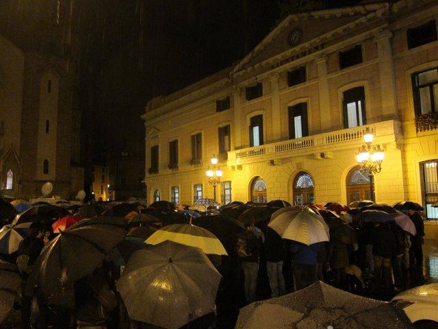 Concentración ante el Ayuntamiento de Sabadell (Barcelona)