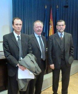 Imagen de tres de los expertos participantes en la jornada del ISCIII