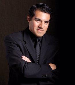 El director peruano Miguel Harth-Bedoya
