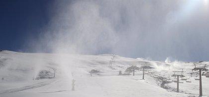Sierra Nevada prevé aumentar su superficie esquiable para el Puente de la Constitución