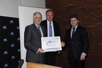 El Grupo Asisa recibe el certificado DisCert por su compromiso con las personas discapacitadas