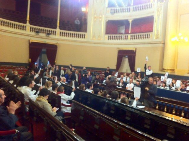 Hemiciclo del Senado con los sanitarios madrileños en huelga