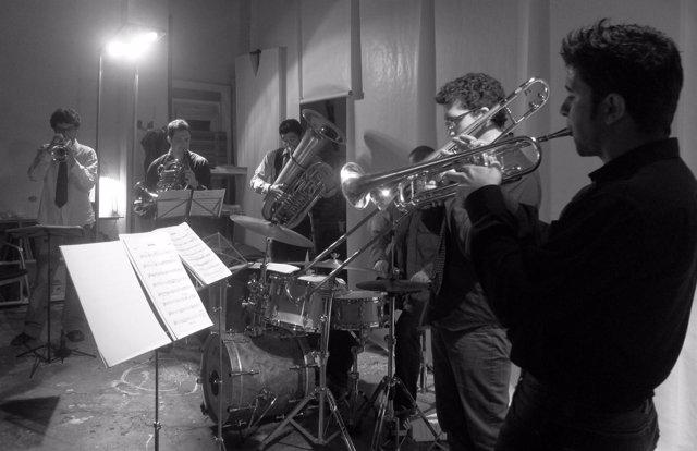 La formación Breaking Brass en una actuación previa en Valencia.
