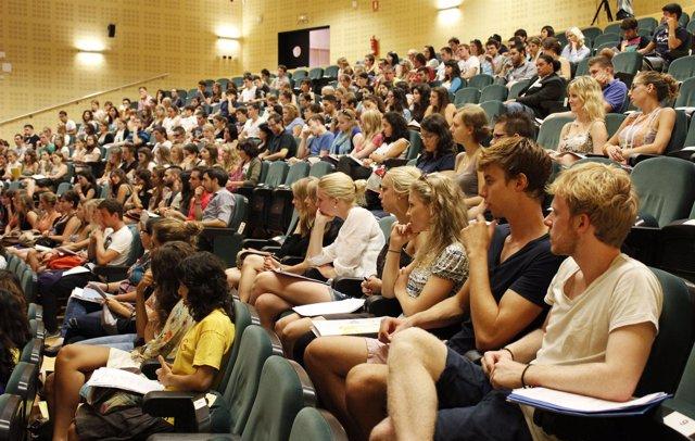 Alumnos Erasmus En La UPO