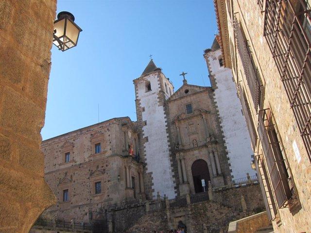 Iglesia De La Preciosa Sangre En Cáceres