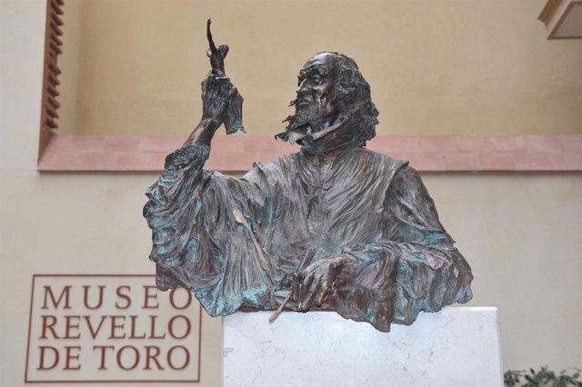 Fachada del Museo Revello de Toro