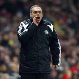 Avram Grant, entrenador del Chelsea, durante un partido