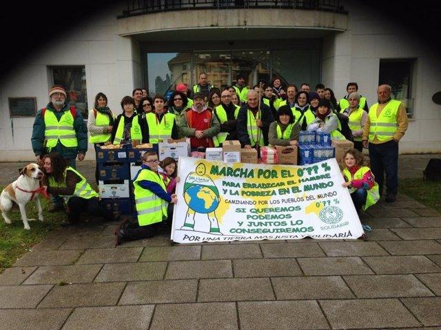 Marcha solidaria en Noja