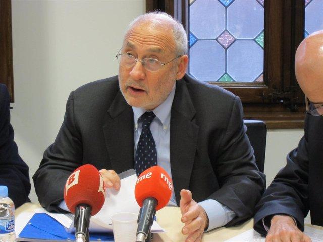 El Nobel de Economía de 2001 Joseph Stiglitz en Barcelona
