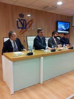Andreu, Cardenal, Perdomo y Feijóo; instantes antes de presentar los resultados