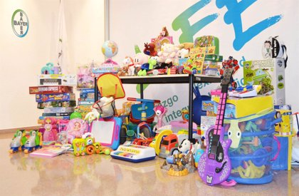 Bayer Tarragona dona 200 juguetes a organizaciones benéficas