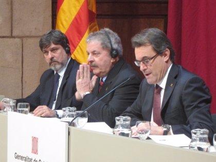 Lula da Silva llama a Cataluña a no permitir retrocesos de un Estado del Bienestar que desea Brasil