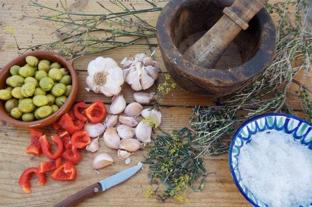 Preparando un gazpacho