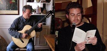 La guitarra de Tono Clemente acompañará este miércoles los versos del poeta Alberto Caride en el Café Zalacaín de Murcia