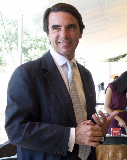 """Aznar afirma que en Cataluña """"la secesión ya está pactada"""" entre CiU y ERC"""