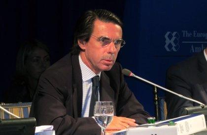 """Aznar afirma que la secesión ya está pactada en la """"coalición explosiva"""" CiU-ERC"""