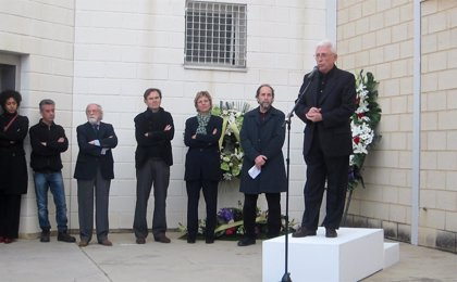 Representantes del mundo de la cultura y la política rinden un emotivo homenaje a Andreu Alfaro