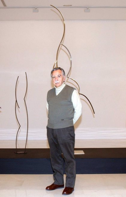 El IVAM expondrá obras de Andreu Alfaro en su entrada principal en homenaje al escultor