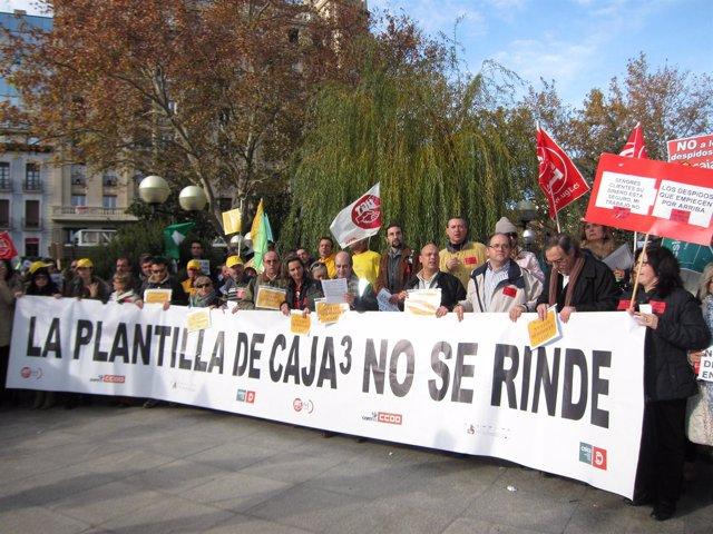 Protesta y manifestación de los trabajadores de Caja3 en Zaragoza