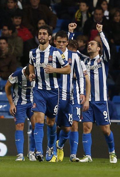 El Espanyol de Aguirre amarga el fin de año en el Bernabéu