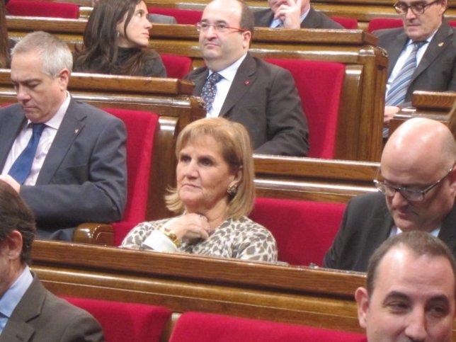 Núria de Gispert, en el hemiciclo del Parlament