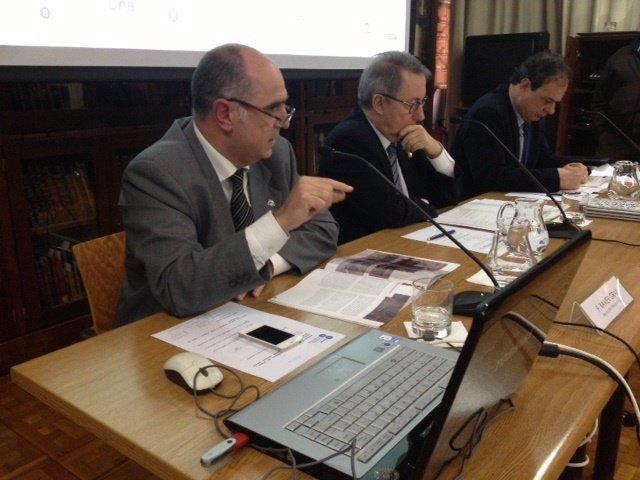 X.Grau (pdte.Acup); D.Ramírez (rector UB) y L.Jofre (dir. Gral. Universida