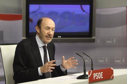 """Rubalcaba señala que """"el PP está empeñado en desmontar"""" el sistema sanitario"""