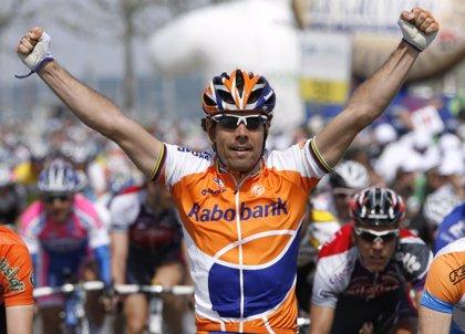 Ciclismo.- Óscar Freire recibe un homenaje tras poner fin a su carrera profesional