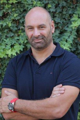 Antonio Aretxabala, Profesor De La Universidad De Navarra, Delegado Del Colegio