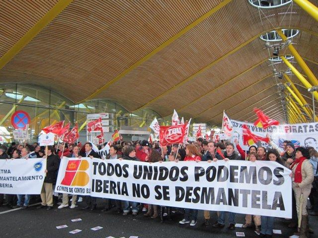 Protesta trabajadores Iberia T4