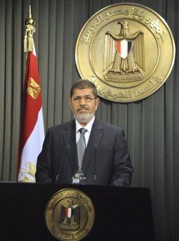 Mursi habla a la nación egipcia tras firmar la nueva Constitución