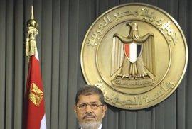 """Mursi reconoce """"algún error que otro"""" en el proceso constitucional"""