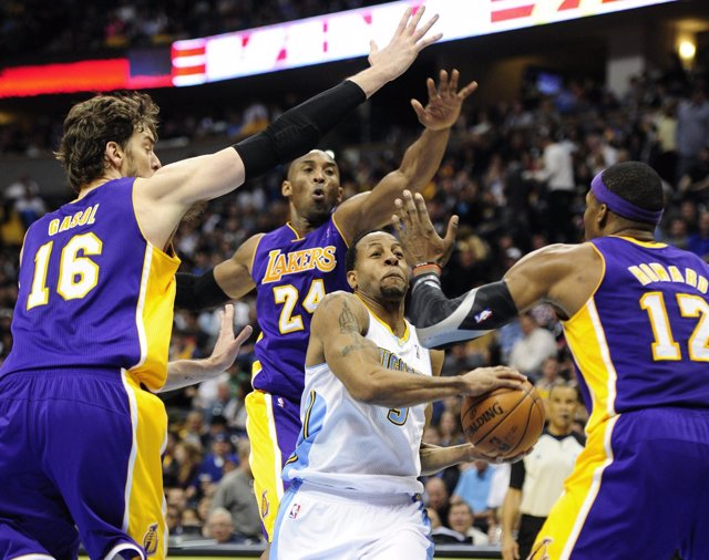 Gasol, Iguodala, Bryant y Howard, Nuggets-Lakers