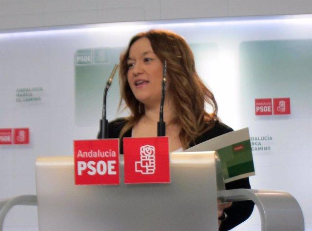 La secretaria de política institucional del PSOE-A, Verónica Pérez, hoy en rueda