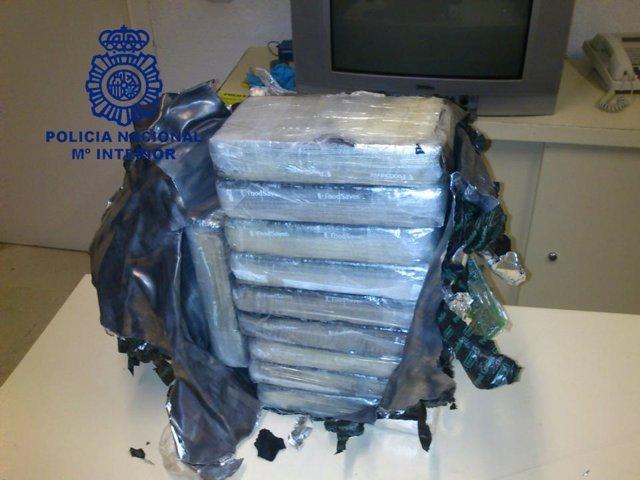Paquetes de cocaína decomisados.