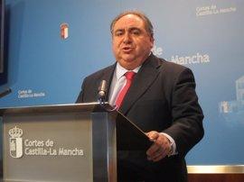 """El presidente de las Cortes de C-LM considera que la supresión de sueldos es una medida """"necesaria, justa y ejemplar"""""""