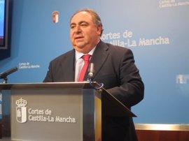 Las Cortes aprueban un presupuesto de 8,7 millones para 2013 y suprimen dos plazas de eventuales de libre designación