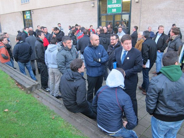 Accionistas minoritarios a la espera de entrar en la Junta del Racing