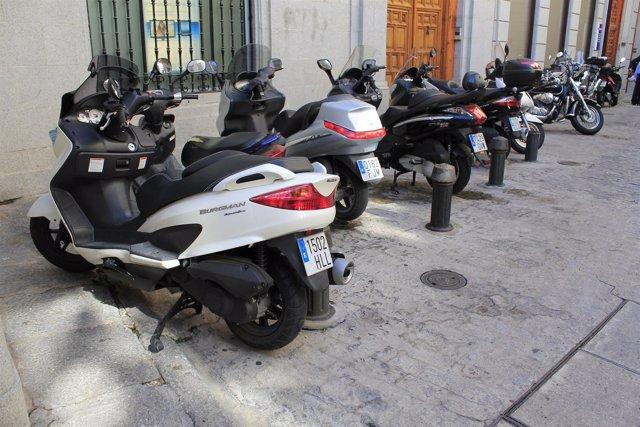 Motos, aparcamiento de motos, zona para motos