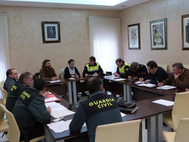 Comisión técnica de Seguridad reunida en el Ayuntamiento de Almonte.