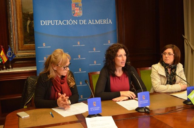 Vázquez, en rueda de prensa para presentar la 'Caravana por la paz'