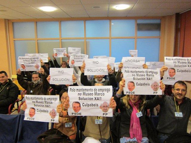 Protesta en el pleno de Vigo