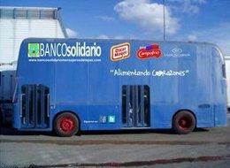 Autobús solidario Mensajeros de la Paz