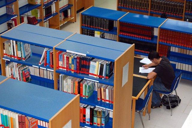 Biblioteca De La UC