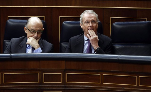 Cristóbal Montoro y Pedro Morenés en el Congreso